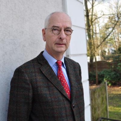 Prof. Dr. Dr. Hans-Peter Howaldt
